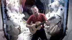 Hadfield publie à nouveau son interprétation de «Space oddity»