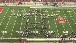 La fanfare d'Ohio State rend hommage aux séries télé américaines à la perfection