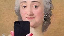 Ces peintures prennent des selfies avec leur iPhone