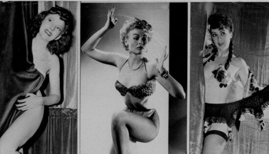 Incursion en images dans le monde du burlesque en 1950