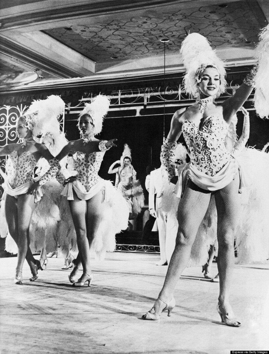 Incursion en images dans le monde du burlesque en 1950