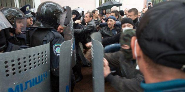 La situation s'aggrave dans l'est de l'Ukraine et à
