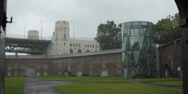 Arsenal du fort de l'Île Sainte-Hélène (musée