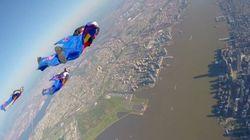 Ils survolent Manhattan en wingsuits