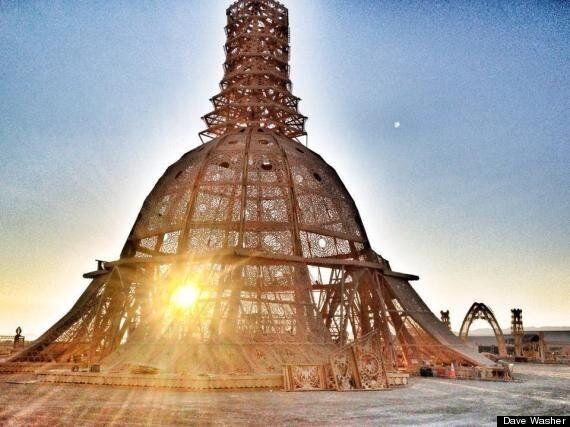 Voici le magnifique et intemporel Temple de la grâce de Burning Man 2014