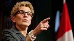 Élections en Ontario: Kathleen Wynne réplique aux attaques des conservateurs