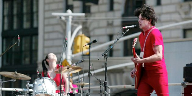 NEW YORK - OCTOBER 2: Guitarist, lead singer Jack White and drummer Meg White of the White Stripes perform...