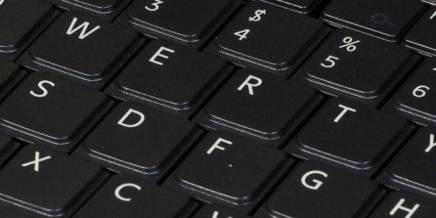 Description QWERTY keyboard, on 2007 Sony Vaio laptop computer. Le clavier QWERTY d'un ordinateur portable...