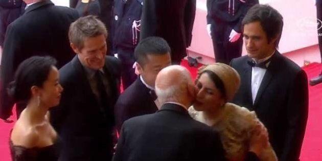 Festival de Cannes : la bise de Leila Hatami à Gilles Jacob fait scandale en