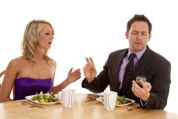 6 petits gestes qui rendront votre couple plus