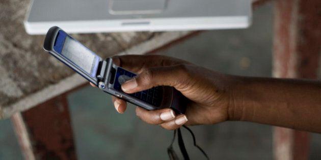 La lecture sur les cellulaires améliore la littératie dans les pays