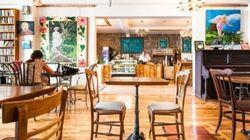 4 cafés-librairies qui sortent de l'ordinaire à Montréal, à découvrir au plus vite!