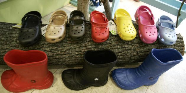 New York, UNITED STATES: A sample of Crocs shoes on display in a midtown New York City shoe store 21...