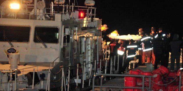 Corée du Sud: les plongeurs ont extrait 19 corps du traversier