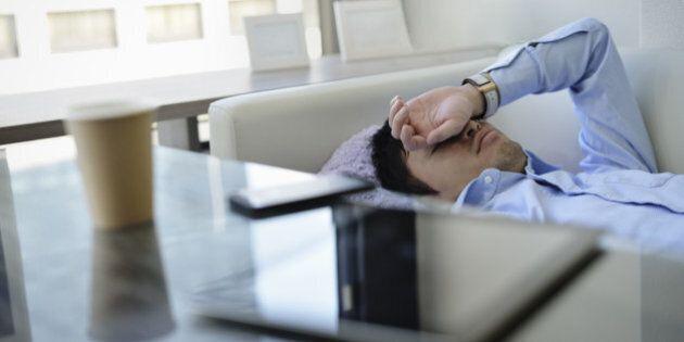 Une sieste au bureau? Les Sud-Coréens essaient de s'y mettre pour booster leur