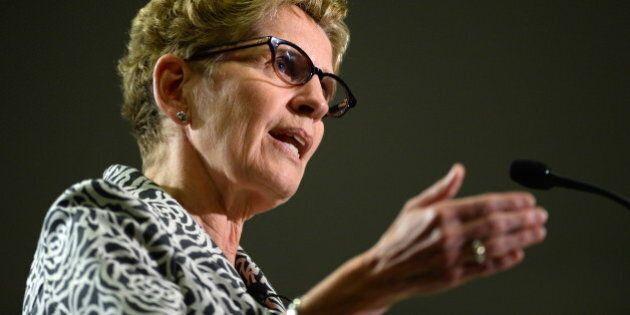 Ontario: Wynne défend une pub anti-NPD, tandis que Hudak rate son