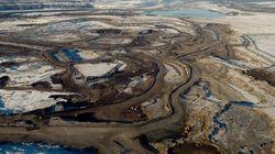 Le pétrole de l'ouest dans un pipeline près de chez