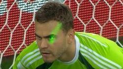 Mondial 2014: les Russes accusent les supporteurs algériens d'avoir aveuglé leur gardien avec un laser