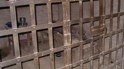 Emprisonné, un journaliste cesse de