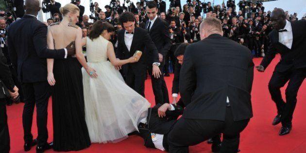 Festival de Cannes: un homme déjoue la sécurité et plonge sous la robe d'une