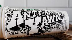 Des gobelets Starbucks personnalisés par un artiste