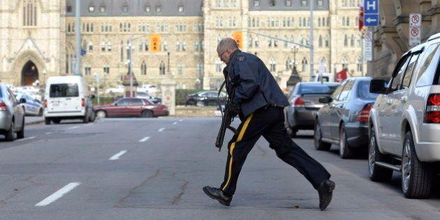 Alerte de sécurité unilingue après la fusillade: le NPD porte