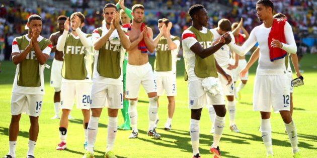 BELO HORIZONTE, BRAZIL - JUNE 24: England acknowledge the fans after a 0-0 draw during the 2014 FIFA...