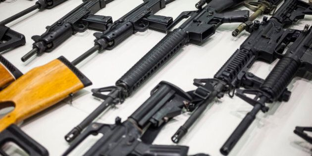 Pas moins de 90 armes non sécurisées saisies dans une résidence de