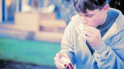 Plus de la moitié des jeunes fumeurs optent pour des produits