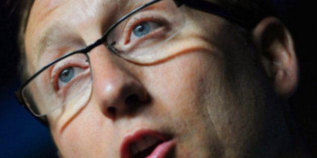 Cartes de criminels: le ministre Peter MacKay ne se formalise pas de cette