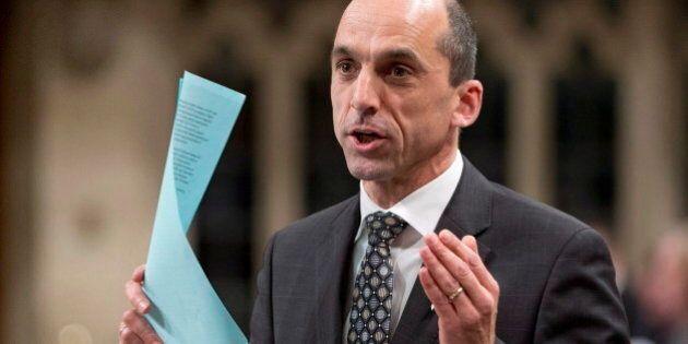 Tuerie de Moncton: Blaney en faveur de mesures contre les armes