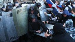 Ukraine: des pro-russes prennent des bâtiments officiels dans