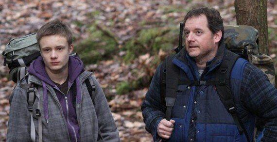 Deux personnages et une forêt: le sujet in de ce début d'année au