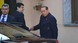 Silvio Berlusconi commence son travail avec des patients atteints