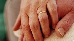 Mariés depuis 70 ans, une femme et un homme meurent à 15 heures