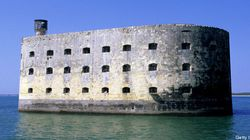 «Fort Boyard» : Alex Perron et Ève Landry feront
