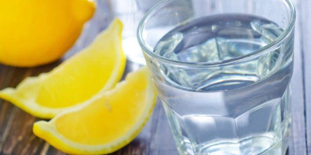 L'eau citronnée: alliée de vos matins (et de vos