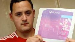 Il commande une Xbox et la reçoit...en