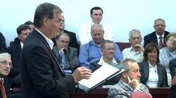 Un chef de parti muselé à la séance du conseil municipal de