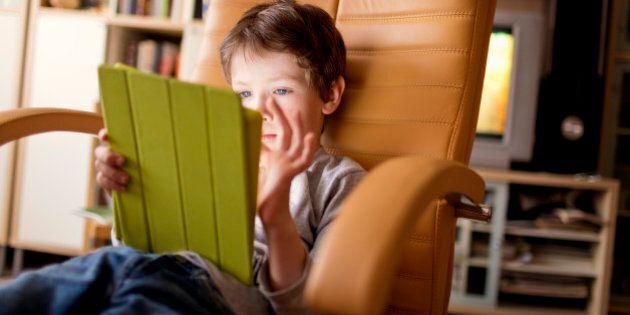 La popularité des tablettes électroniques chez les enfants inquiète certains