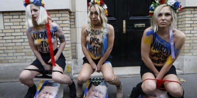 Les Femen urinent sur la photo du président ukrainien pour protester contre la