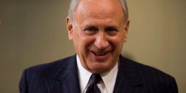 Remboursement de Mike Duffy: le Parti libéral veut une enquête sur le sénateur