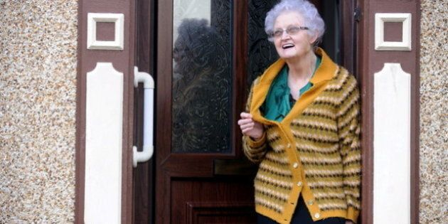 Elle porte le même chandail depuis 54 ans et devient une star