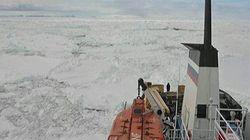 Un navire russe prisonnier des glaces en