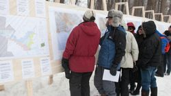 Des Lavallois manifestent pour que Québec revoie les zones