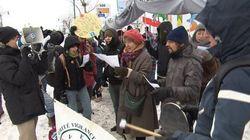 Inversion du pipeline 9B d'Enbridge: des dizaines de personnes manifestent à