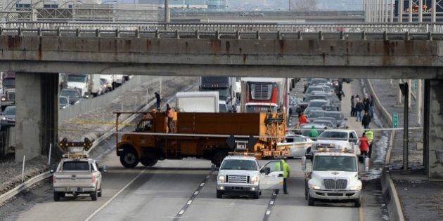 La chute d'un bloc de béton a forcé la fermeture de l'autoroute 40 Ouest lundi