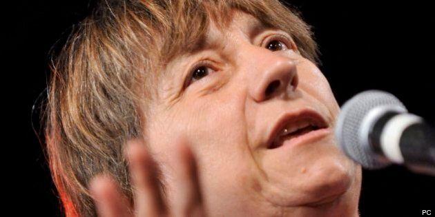 Élections 2014 - Françoise David dénonce le sous-financement des groupes d'aide aux