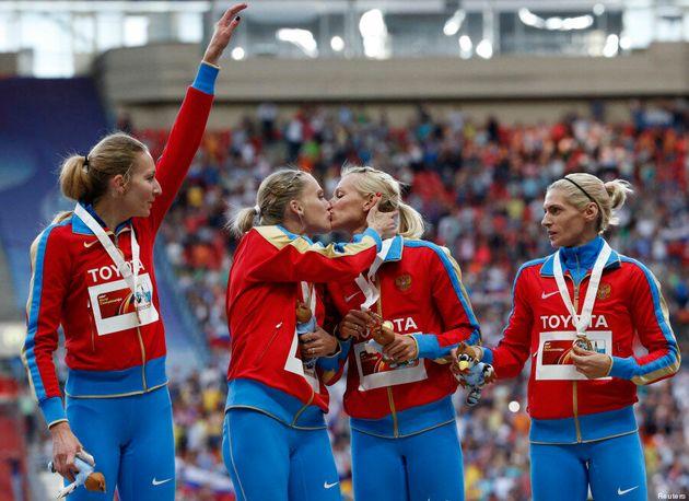 Baiser des athlètes russes: Kseniya Ryzhova nie avoir voulu protester contre la loi «anti-gai» aux mondiaux...