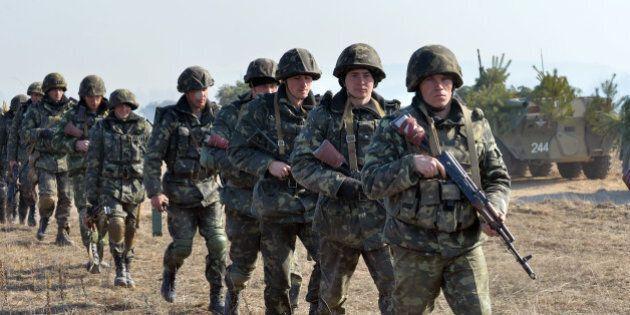 Quatre anciens pays communistes signent un pacte militaire
